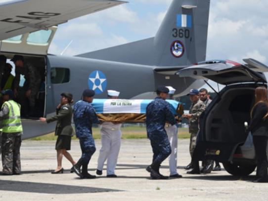 Guatemala pedirá apoyo a EEUU tras ataque de narcos a militares