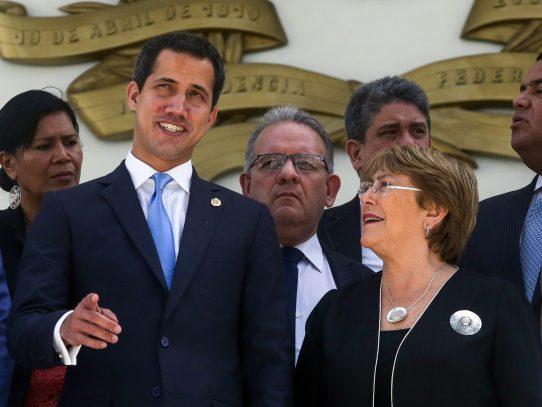 Bachelet se reúne con Maduro y Guaidó al cierre de su visita a Venezuela