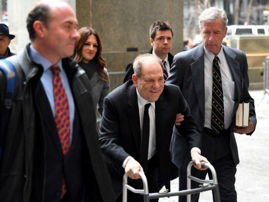 Harvey Weinstein acusado de violación en Los Ángeles al comenzar su juicio en NYC
