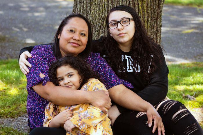 Orgullo y pánico: los hijos de los trabajadores de la salud lidian con la pandemia