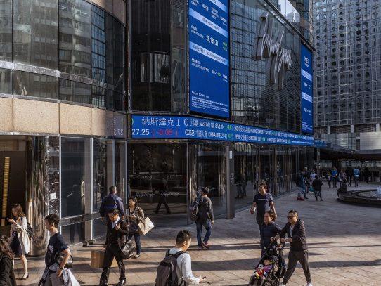 Hong Kong considera el futuro: 'Si pueden costearlo, váyanse'