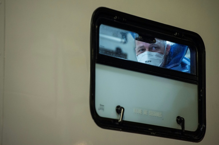 Importante operación de evacuación de enfermos de coronavirus en Francia