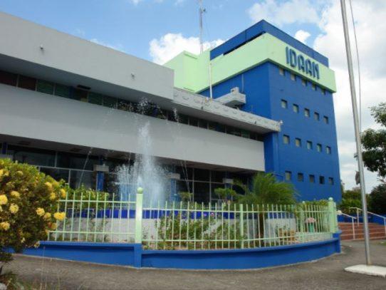 Técnicos de IDAAN para optimizar la red y mejorar la distribución de agua potable