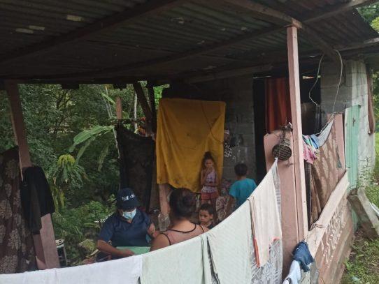 Madre junto a sus seis hijos son reubicados a un hogar digno en medio de la pandemia