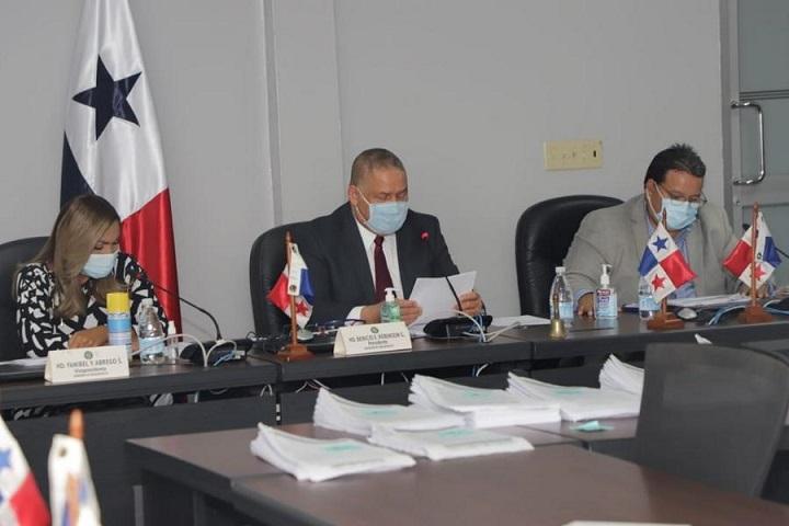 Comisión de presupuesto aprueba traslados de partidas a distintas instituciones