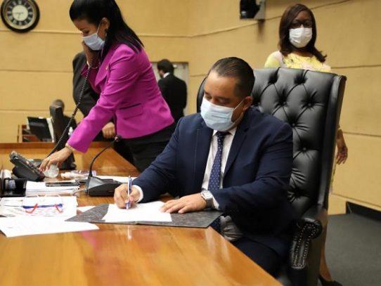 Proyecto propone se suspendan los desalojos de bienes inmuebles por 120 días