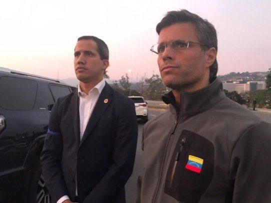 Militares liberan a Leopoldo López por orden de Guaidó
