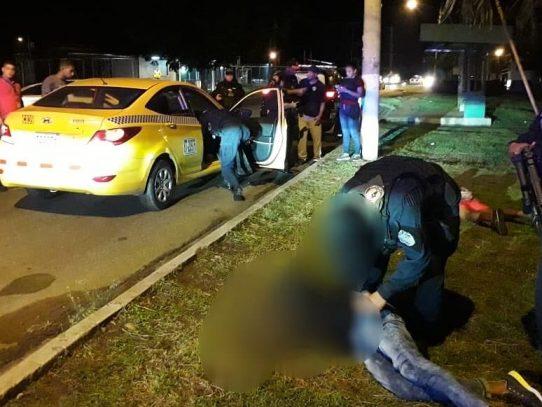 PN captura en Las Mañanitas a tres sospechosos de robo a mano armada
