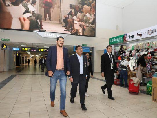 Aeropuerto de Tocumen contará con biblioteca de autores panameños