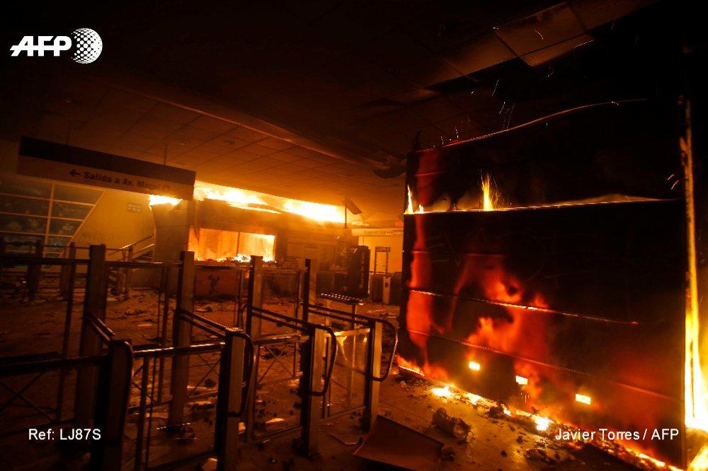 Santiago de Chile en estado de emergencia tras protestas contra alza del pasaje