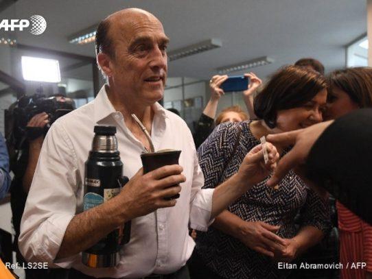 Uruguay definirá elección presidencial en segunda vuelta