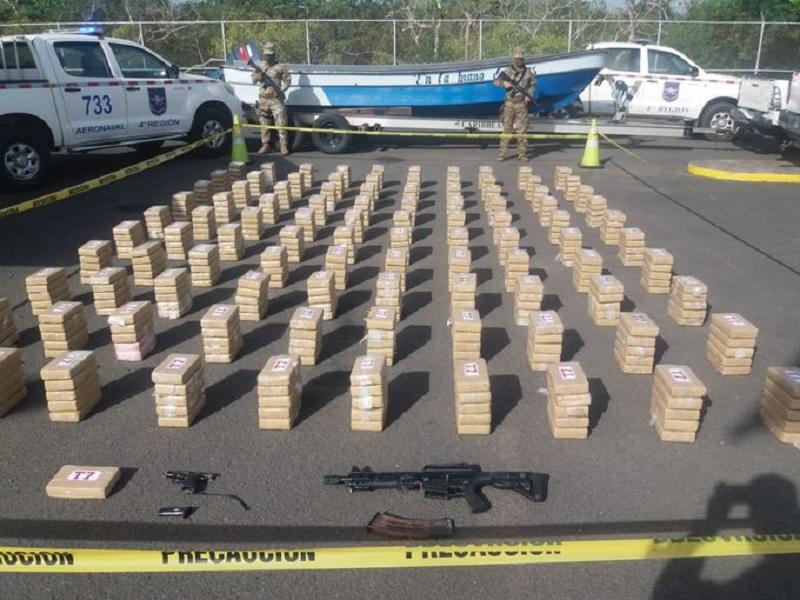 Decomisan 501 paquetes de sustancia ilícita en Punta Mala