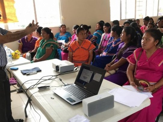 Capacitan a Mujeres Ngäbe en modelos de negocios exitosos