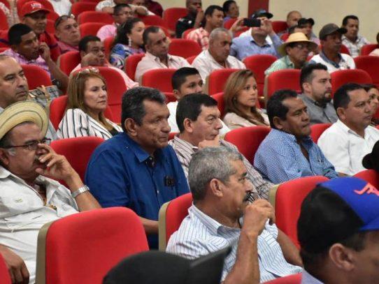 Autoridades de Chiriquí y Veraguas reciben inducción sobre el Plan Colmena