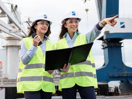 Garantizan participación de mujeres en el sector marítimo