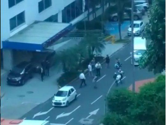 Intento de robo en un hotel en la Vía España queda captado en video