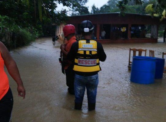 Inundaciones y deslizamiento de tierra en Chilibre tras las lluvias
