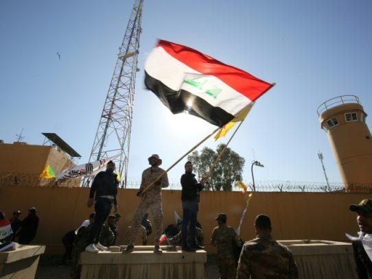 Nuevo ataque contra la Zona Verde de Irak, donde continúa la retirada de la coalición