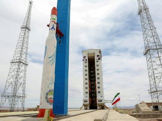 Irán anuncia inminente lanzamiento de un nuevo satélite espacial
