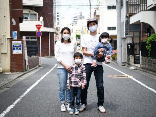 Atrapados en casa, los hombres de Japón aprenden a colaborar en el hogar. ¿Perdurará en el tiempo esta nueva actitud?