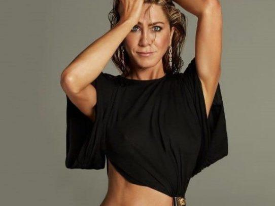 Jennifer Aniston llega a los 51 más deslumbrante que nunca