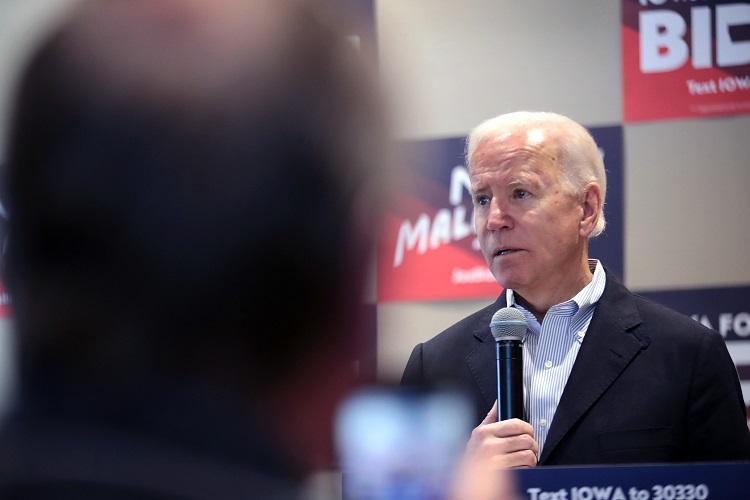 Biden se enoja en acto de campaña por cuestionamientos a su hijo y su edad