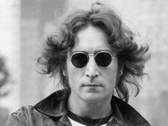 Las gafas de sol redondas de John Lennon serán subastadas