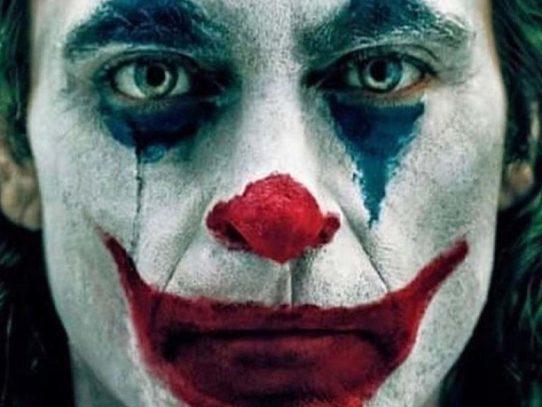 En un fin de semana aterrador, Joker vuelve a reír en la taquilla