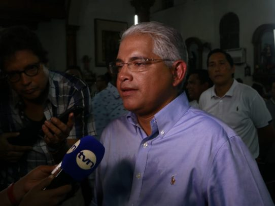 Blandón propone incluir tema de reforma constitucional en Diálogo Bicentenario