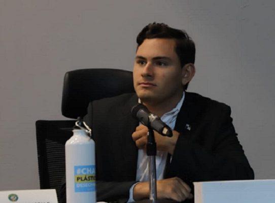 Veto parcial a proyecto que modifica  la Ley de Contrataciones Públicas, diputado Vásquez lo critica