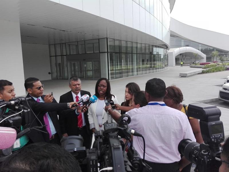 Comisión de Infraestructura supervisó trabajos en el Centro de Convenciones Amador