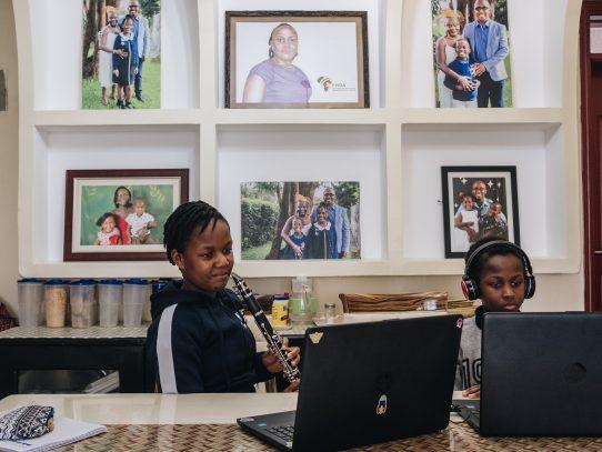 La inusual solución de Kenia al problema escolar: cancelar el año y empezar de nuevo