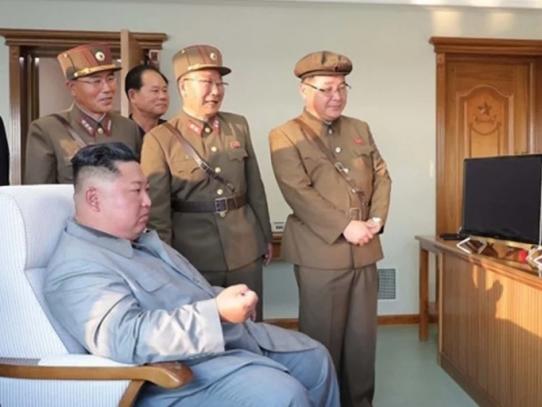 Kim Jong Un supervisó pruebas con 'lanzamisiles múltiple súper grande'
