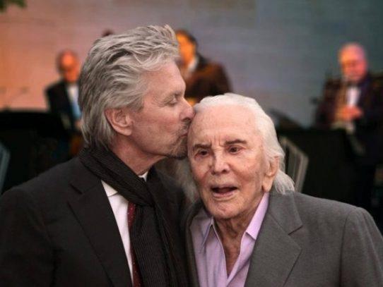 Kirk Douglas, leyenda del cine que personificó a Espartaco, muere a los 103 años