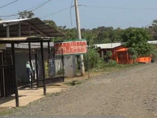 Hombre de 40 años muere en el hospital tras ser baleado en Puerto Caimito