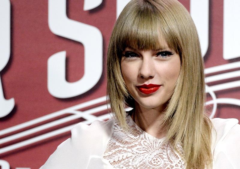 Taylor Swift sorprende al anunciar la salida de un nuevo álbum