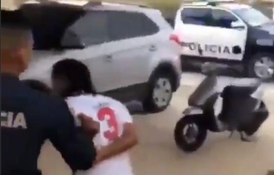 Residentes de una barriada detienen a un supuesto ladrón
