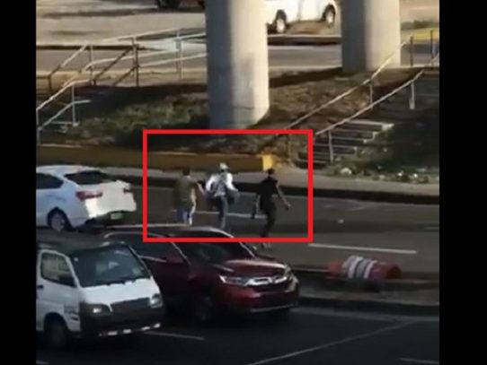 Asaltan a un camionero en la vía Domingo Díaz