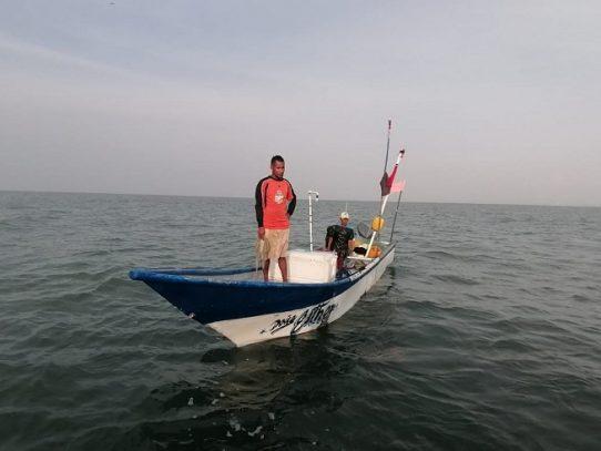 Rescatan a tripulantes de una embarcación en San Carlos