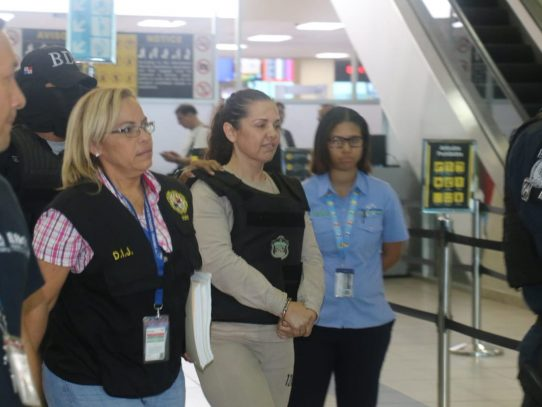Larrañaga, del cartel de Sinaloa, llega a Panamá extraditada de México