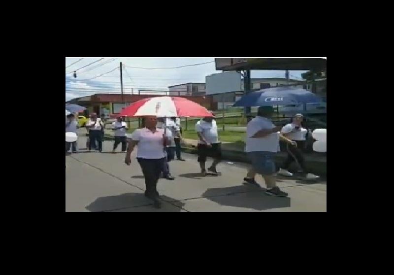 Residentes de Las Acacias marchan pidiendo seguridad