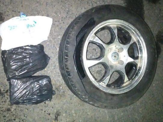 Detenido por transportar cocaína en una llanta de repuesto