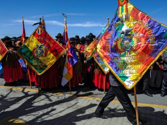 """Los Ponchos Rojos, la milicia aymara que se planta como la """"retaguardia"""" de Bolivia"""