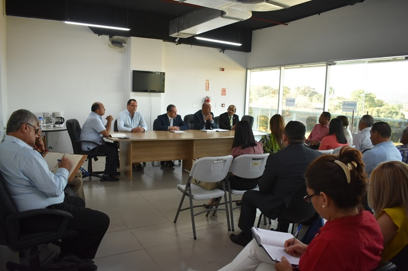 Juntas comunales serán las encargadas del mantenimiento de las escuelas
