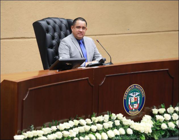 Castillero presentó anteproyecto de ley que modifica el reglamento interno de la Asamblea