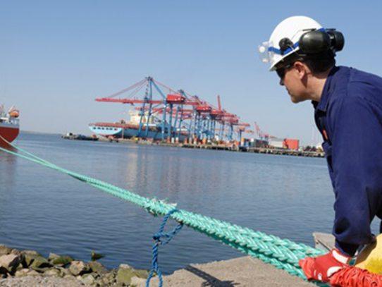 Presentan anteproyecto para la protección de la fuerza laboral marítima-portuaria