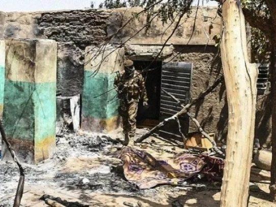 Casi 100 muertos y 19 desaparecidos en matanza en una aldea de Malí