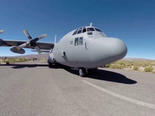 Hallan restos de avión flotando en zona donde desapareció aeronave chilena