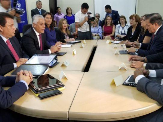 Presidente electo participa de reunión de transición en el Meduca