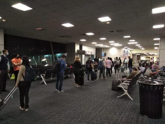 Repatriados 140 mexicanos desde Panamá